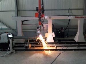Pipe cutting robotic system for pipes