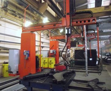 Dual robotic welding system